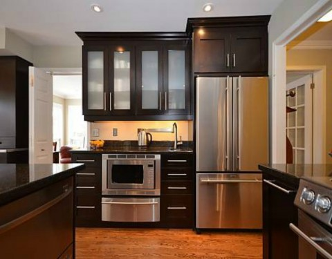Transitional Dark Wood Kitchen